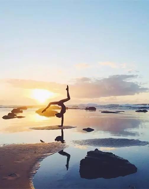 当我老了, 我还选择瑜伽.图片