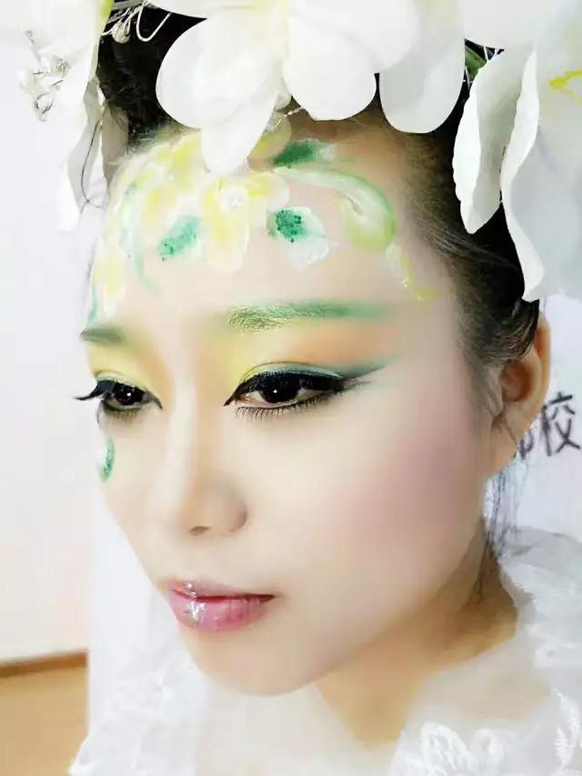 创意彩妆作品-这些美腻的妆容造型 发型,别说你不羡慕