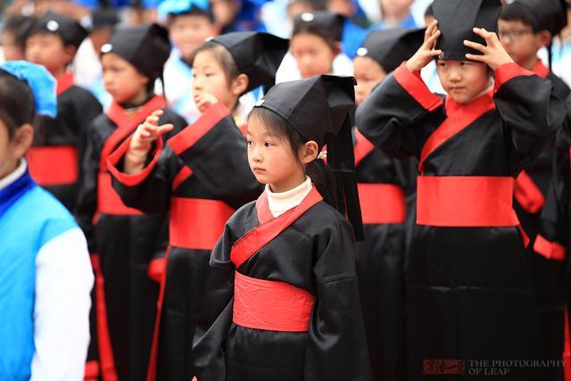 浙江千名小学生穿汉服,学国学礼仪,你怎么看? - 寒残一叶 - 寒残一叶的博客