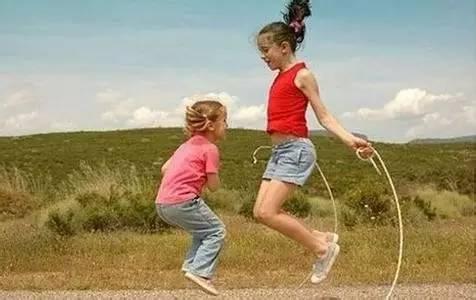 个飞跃期   初中以后基本定型   在生长发育门诊中,很多家长都会关心图片
