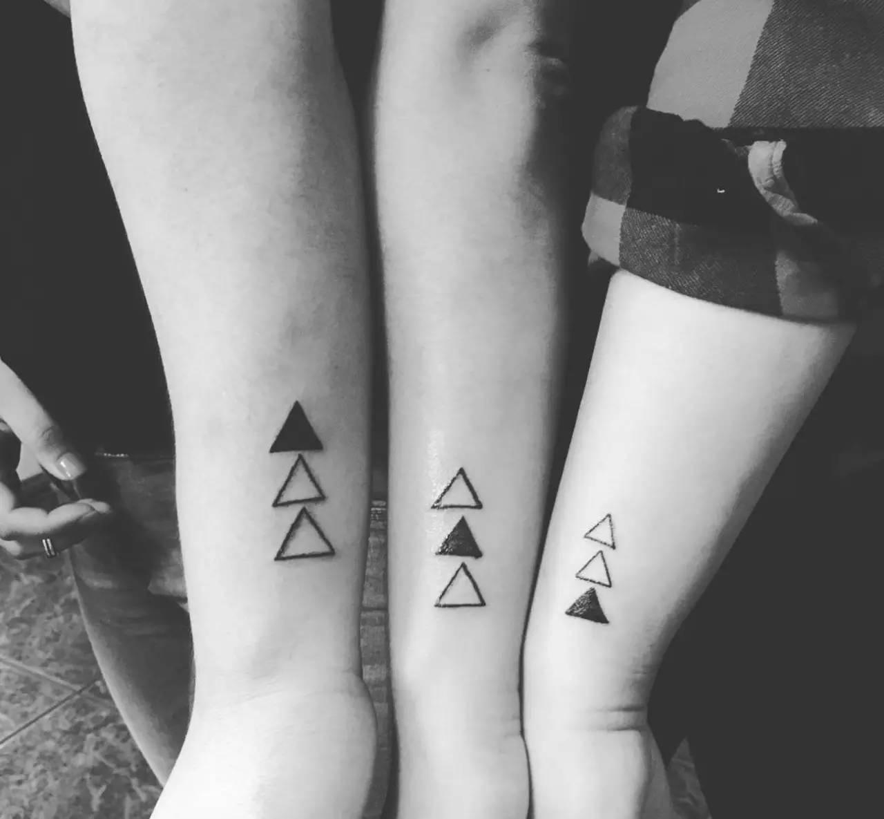 兄弟姐妹的手足刺青原来比情侣刺青还要酷)带上家人一图片