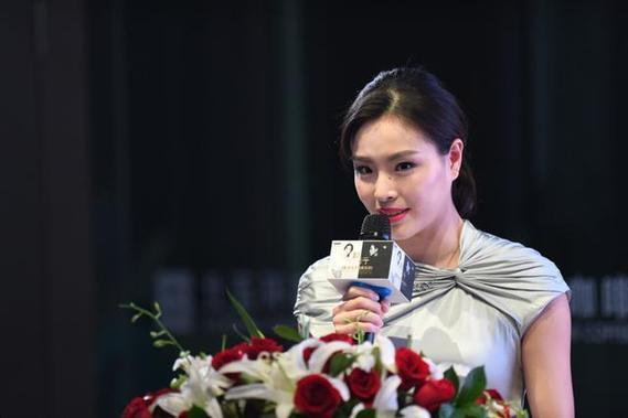 吴敏霞相恋8年男友拒结婚,她一语暗示愿等永远?