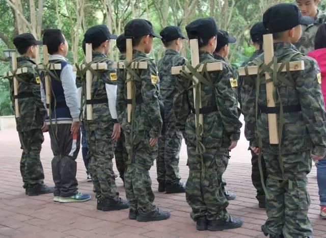 军事训练营_广州黄埔|清明小长假军事训练营,期待孩子的蜕变