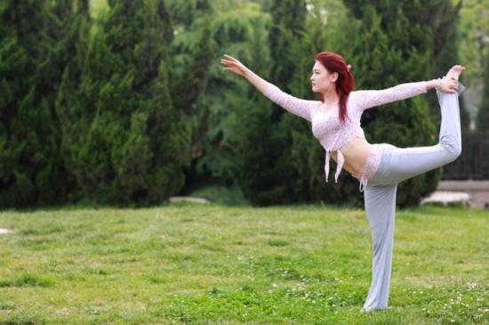 练习瑜伽腰疼怎么缓解 掌握四个方法即可