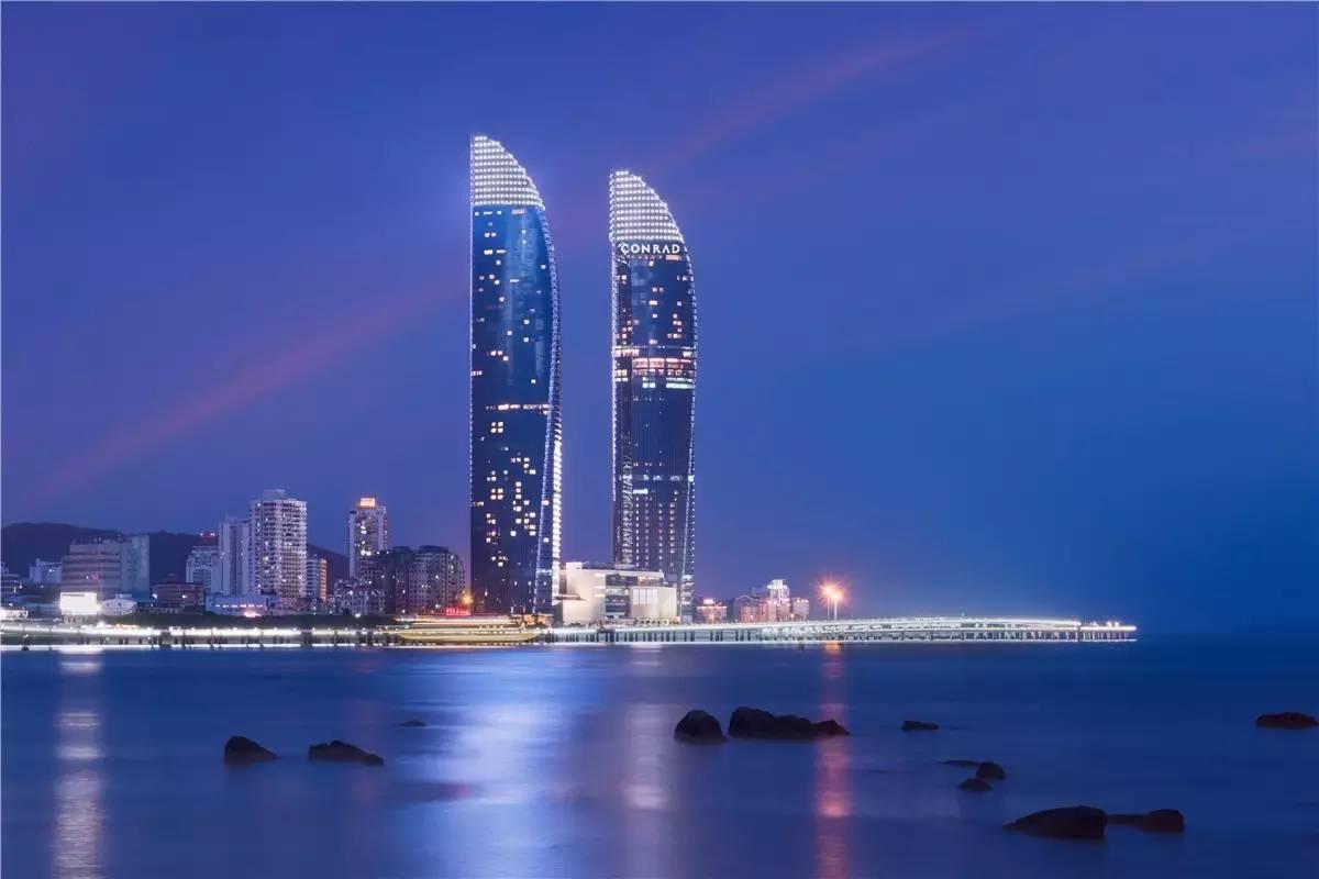 【厦门康莱德酒店】坐落于世茂海峡大厦的B塔37-54层,历时五年,