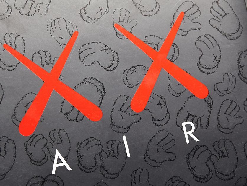 "Air Jordan 4 ""KAWS"" 最牛""XX""的联名款!"