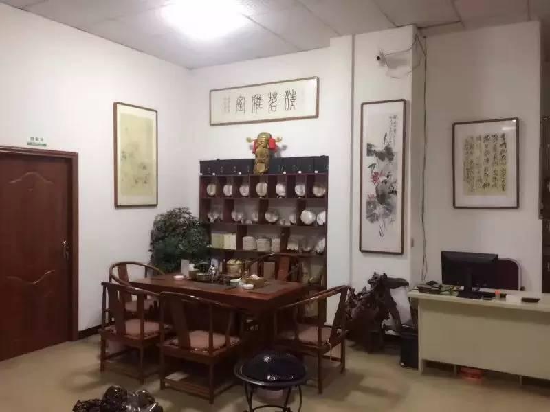 """浙江农夫花百万修600平米豪宅 村庄人""""晒""""屋子"""