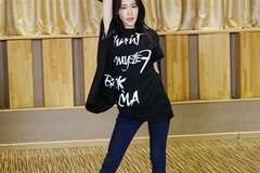 张碧晨新歌练习室版MV首发 用舞蹈诉说电音态度