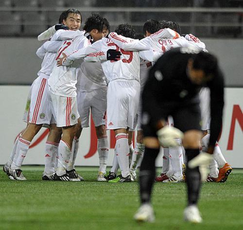 2010年,中国男足在东亚四强赛上3-0大胜韩国队