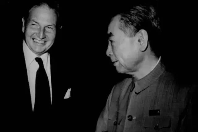 """亿万富翁洛克菲勒去世了,却给中国留下了打破""""富不过三代""""魔咒的秘密!"""