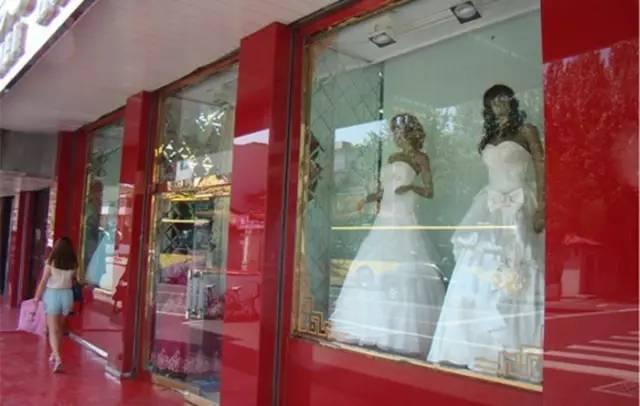 西安卖婚纱一条街在哪_西安美食一条街图片