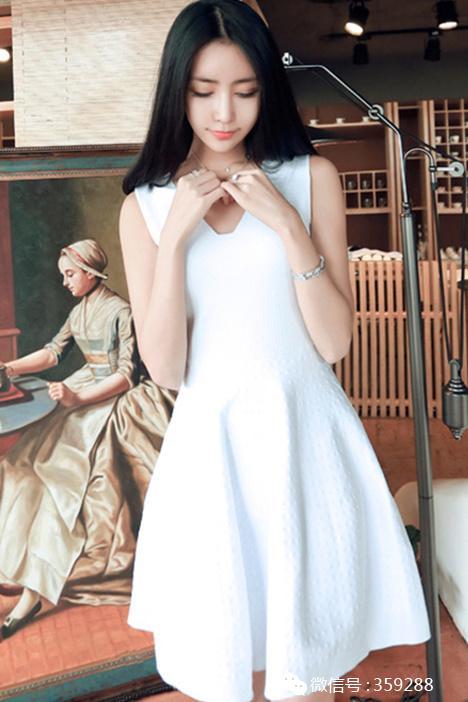 清新范的连衣裙,清透的网纱,性感很有气质哦!