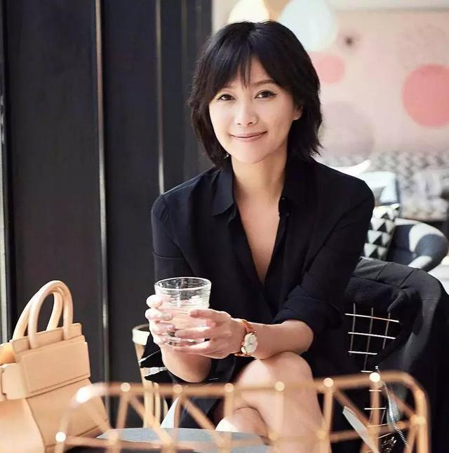 徐静蕾这位才女演员不务正业,却到40岁还活出自我