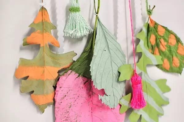 物利用,树叶做粘贴画吊饰