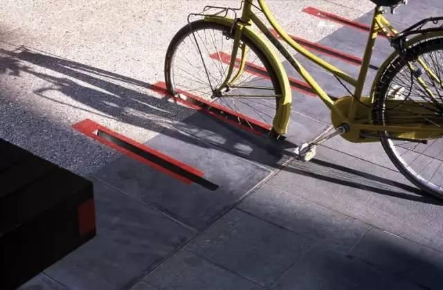 汽车 正文  哪有空闲车位,一目了然, 如此创意十足, 自行车车位, 同样
