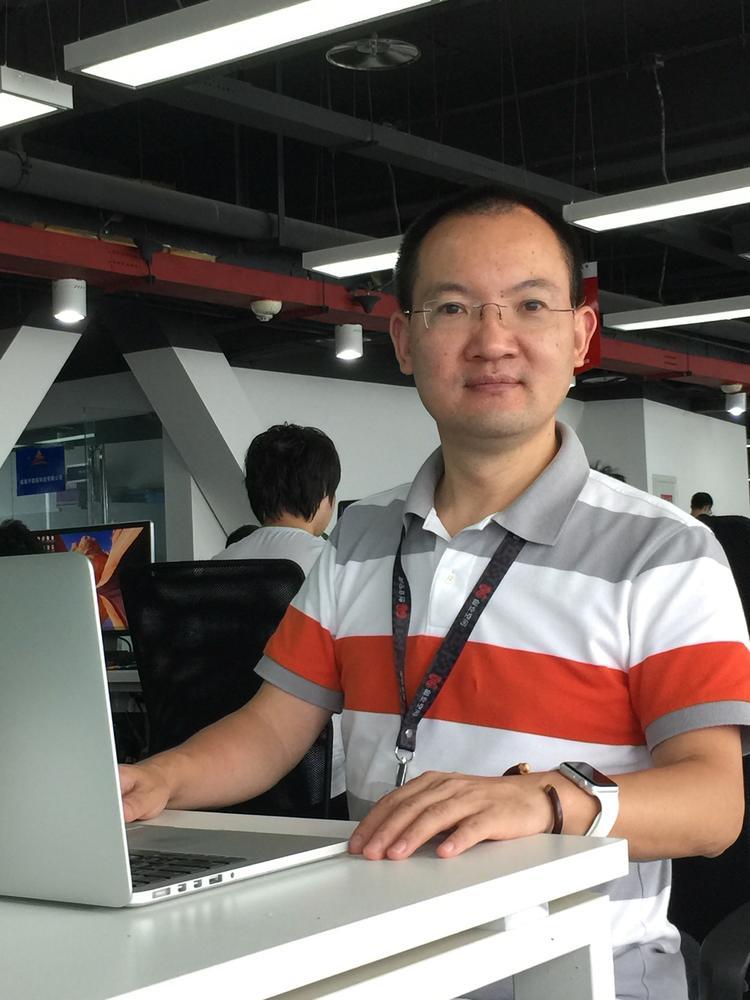 """◆ """"云喇叭""""创始人李黎明 熬成中年再创业 为9.8万快递员自动派"""