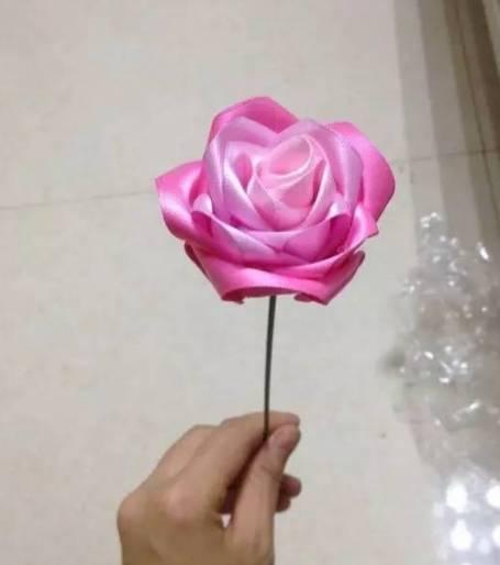 手工diy,丝带编织玫瑰花,竟然这么简单!