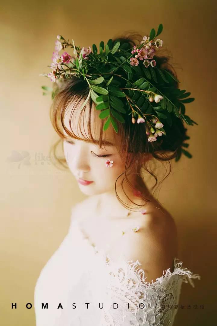 新娘造型 | 绿色满溢的氧气新娘,妆出自然清新森系范儿!图片