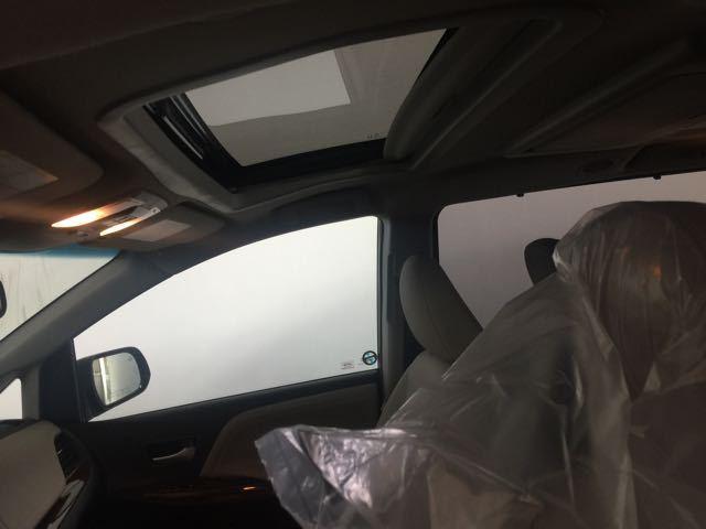 2017款丰田塞纳最新价格平行进口MPV塞纳3.5L全新配置