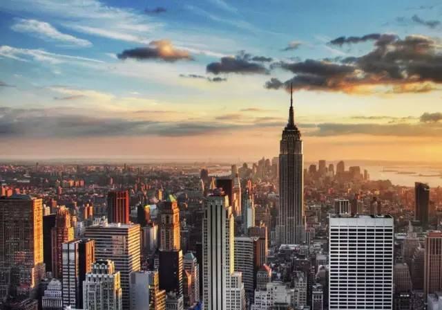 纽约州长称封城18天像过了一辈子