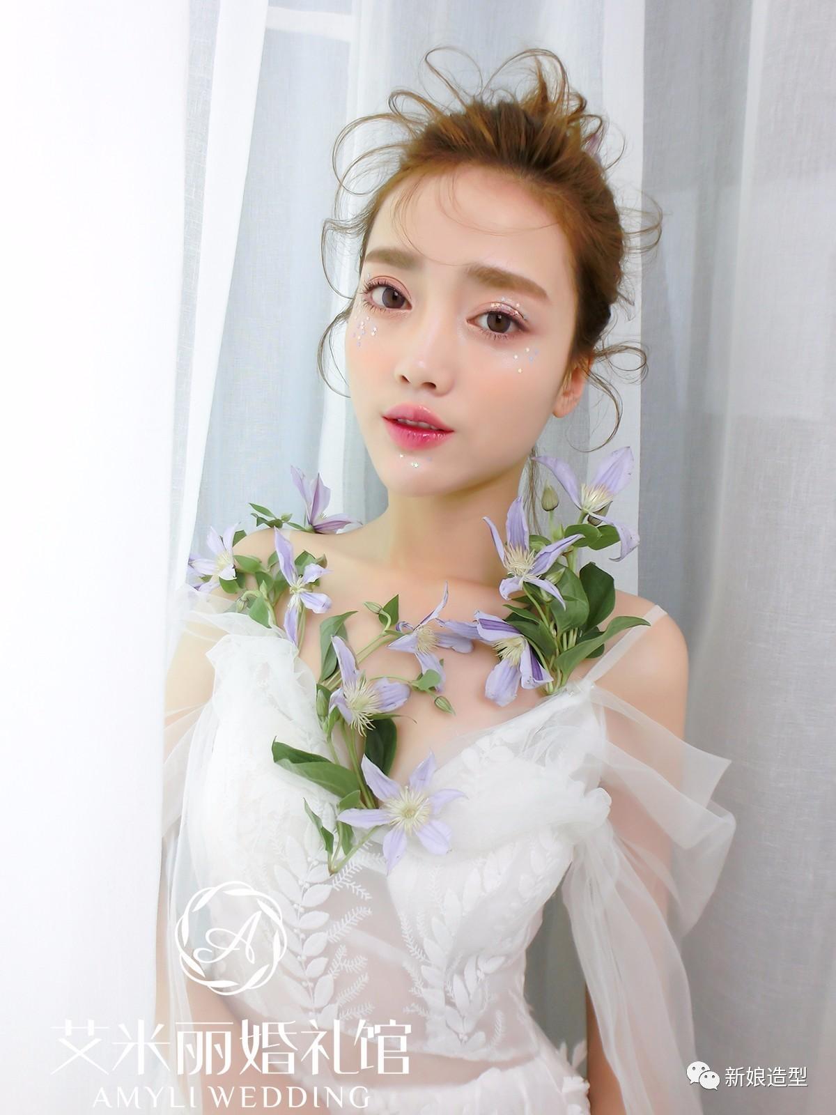 精彩推荐   2017年春夏新娘造型最新流行趋势发布   2017最新中式新娘图片