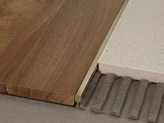 当瓷砖遇上木地板.