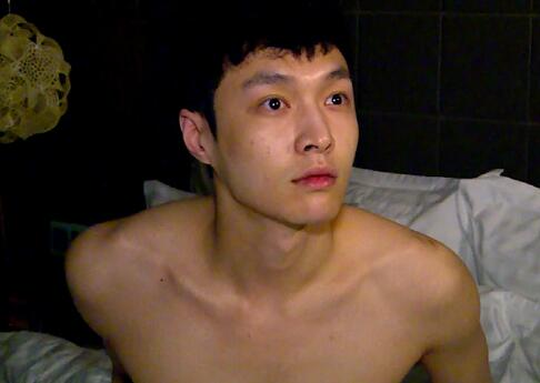 男明星化妆前后差距:李易峰最小