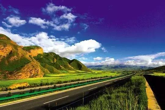看看青藏公路的沿途风景,仿佛看见了全世界!