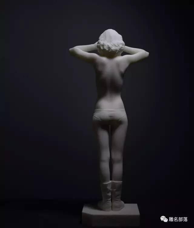 裸体当代人体雕塑