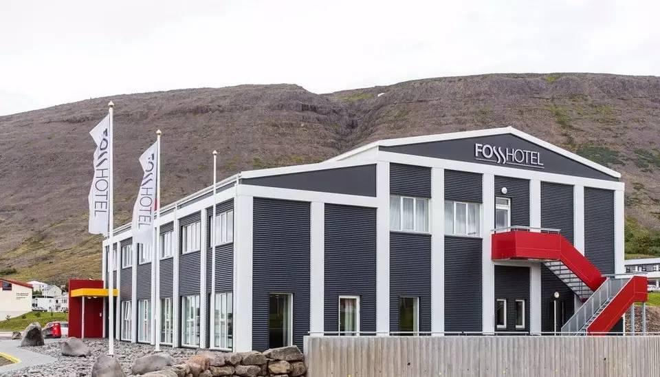 冰岛本地和国内万能双领队全程随行,带我们住温馨木屋,品北欧美食,泡