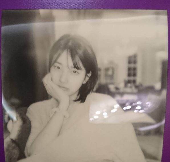 李敏镐女朋友也是就现在韩国的国民初恋秀智为了拍电视剧,剪去了标志