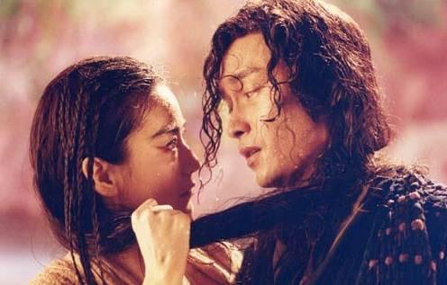 二十年前,第一次看张国荣的电影,他和林青霞在《白发魔女传》里面的相