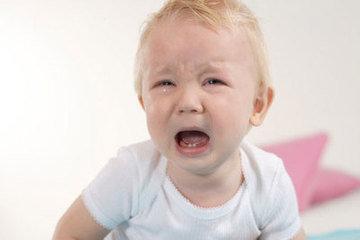 育儿解析:宝宝发脾气,情有可原!