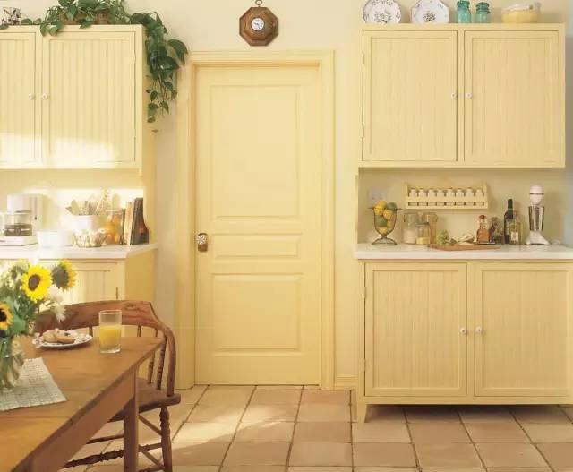 卧室门风格颜色搭配 欧式:米白色,卡其色 ▼ 有很多人觉得自己对于