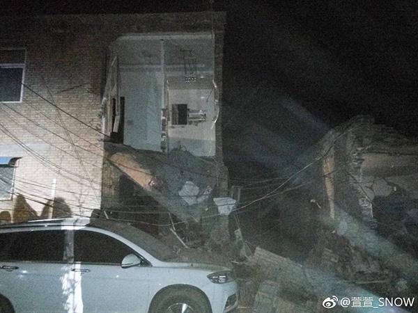 山西浮山县一民宅爆炸,6人无生命体征3人被埋(组图)