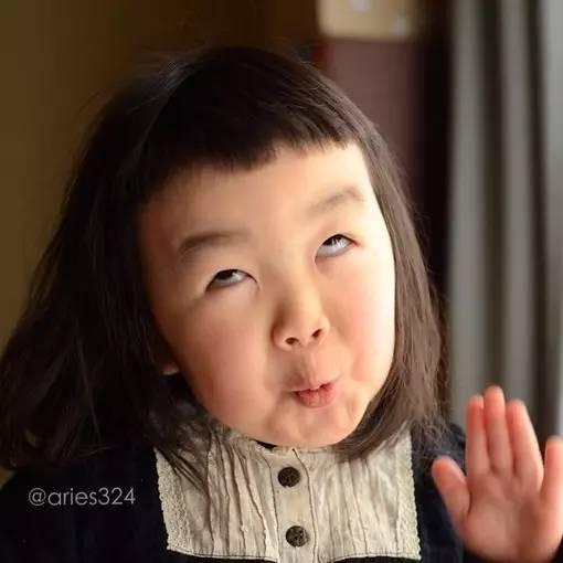 """4岁女孩凭她的""""丑萌""""火遍全世界,你就是我想要的傻丫头"""