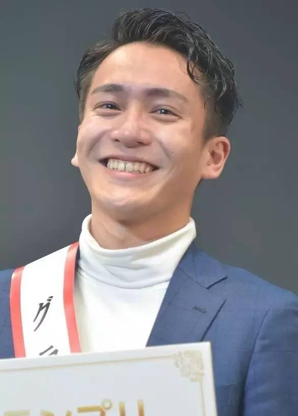 亚洲100帅男排名2020_帅男照片