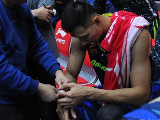 刘宏疆:阿联手部伤势无大碍 腿伤仍存影响发挥
