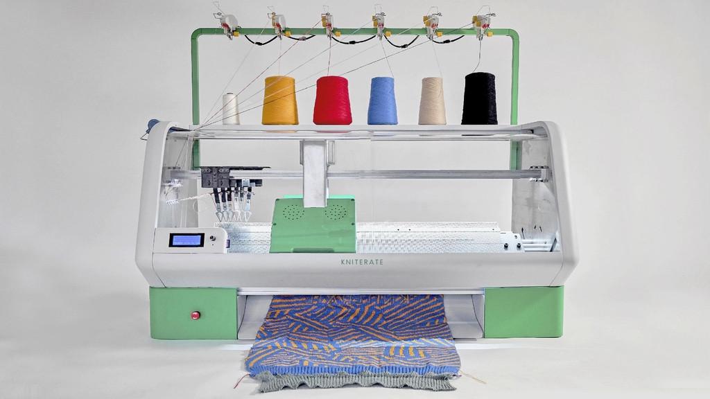 Kniterate 智能数码针织机,可以让用户打造自己的衣服