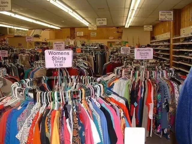 这位名叫马云的90后1年回收100吨旧衣服做着一件赚钱又有意义的事