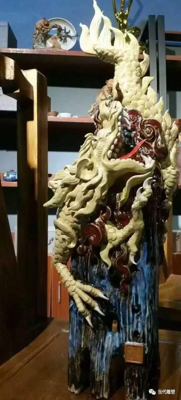 中国龙陶瓷雕塑