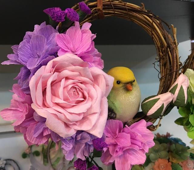 粉紫/绿色/蓝色) 玫瑰花芯*1 花瓣*若干 塑料泡沫小鸟*1 配花*6 丝带*