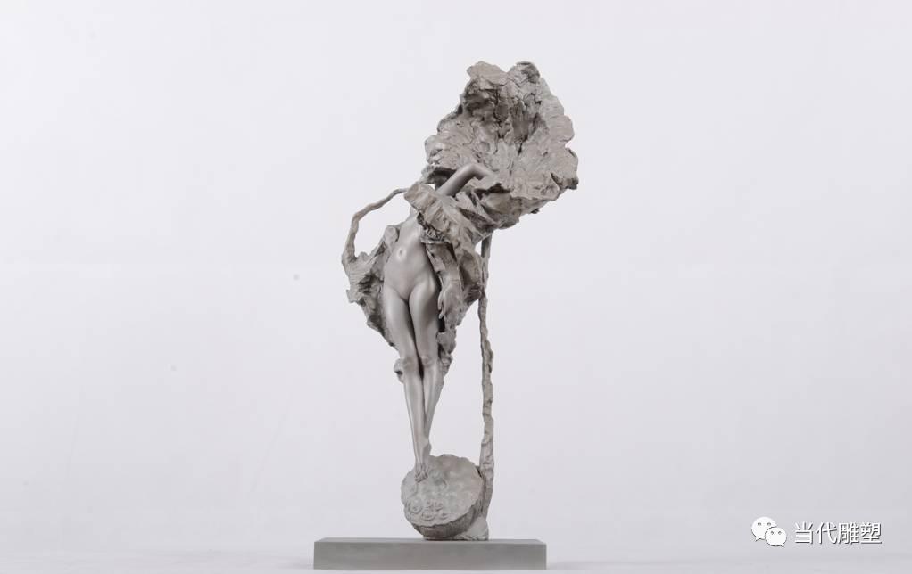当代青年雕塑家方金武雕塑作品荷塘