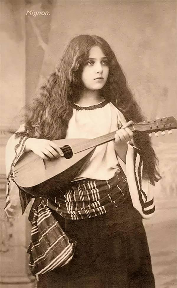 100年前各国女生 都是纯天然这是重点 - 点击图片进入下一页