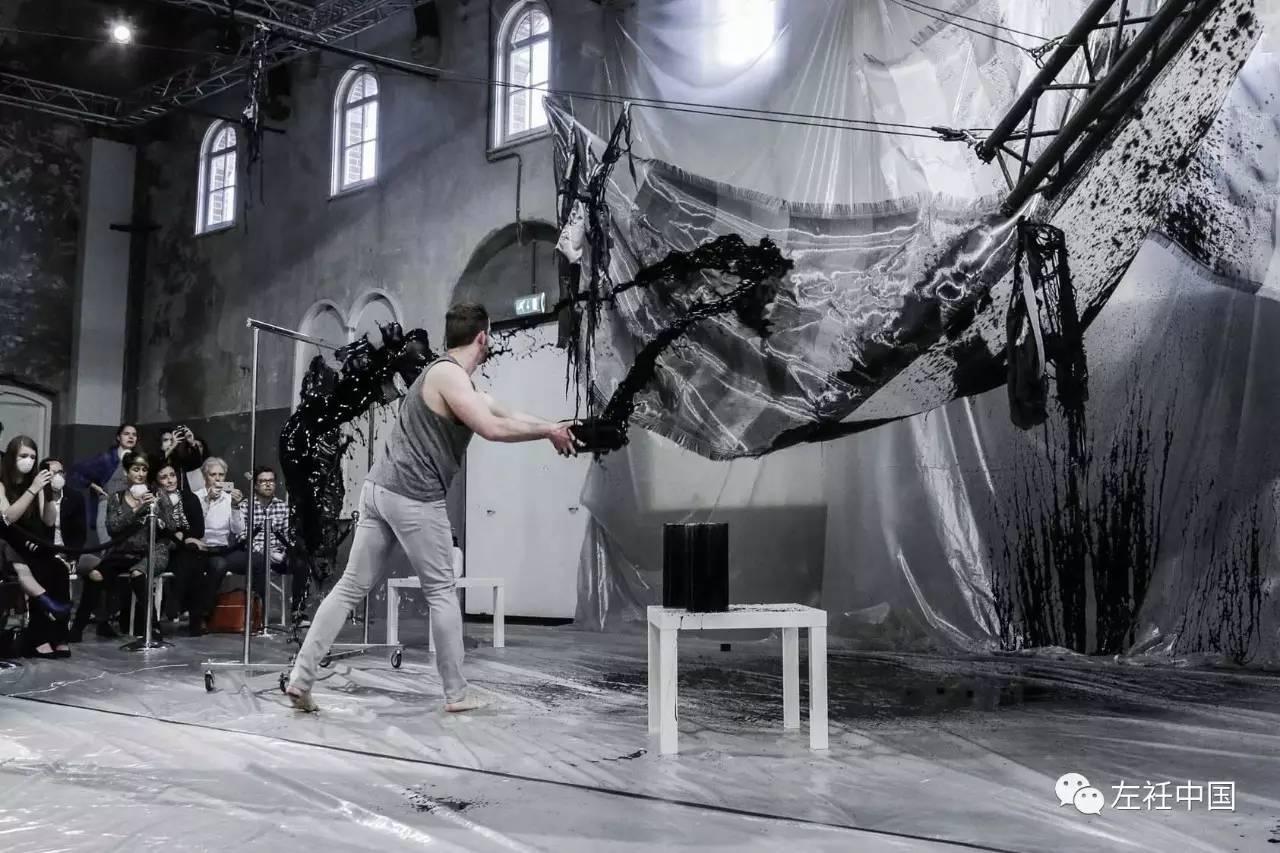 遇水即溶的未来时装震撼全场 ART 第7张
