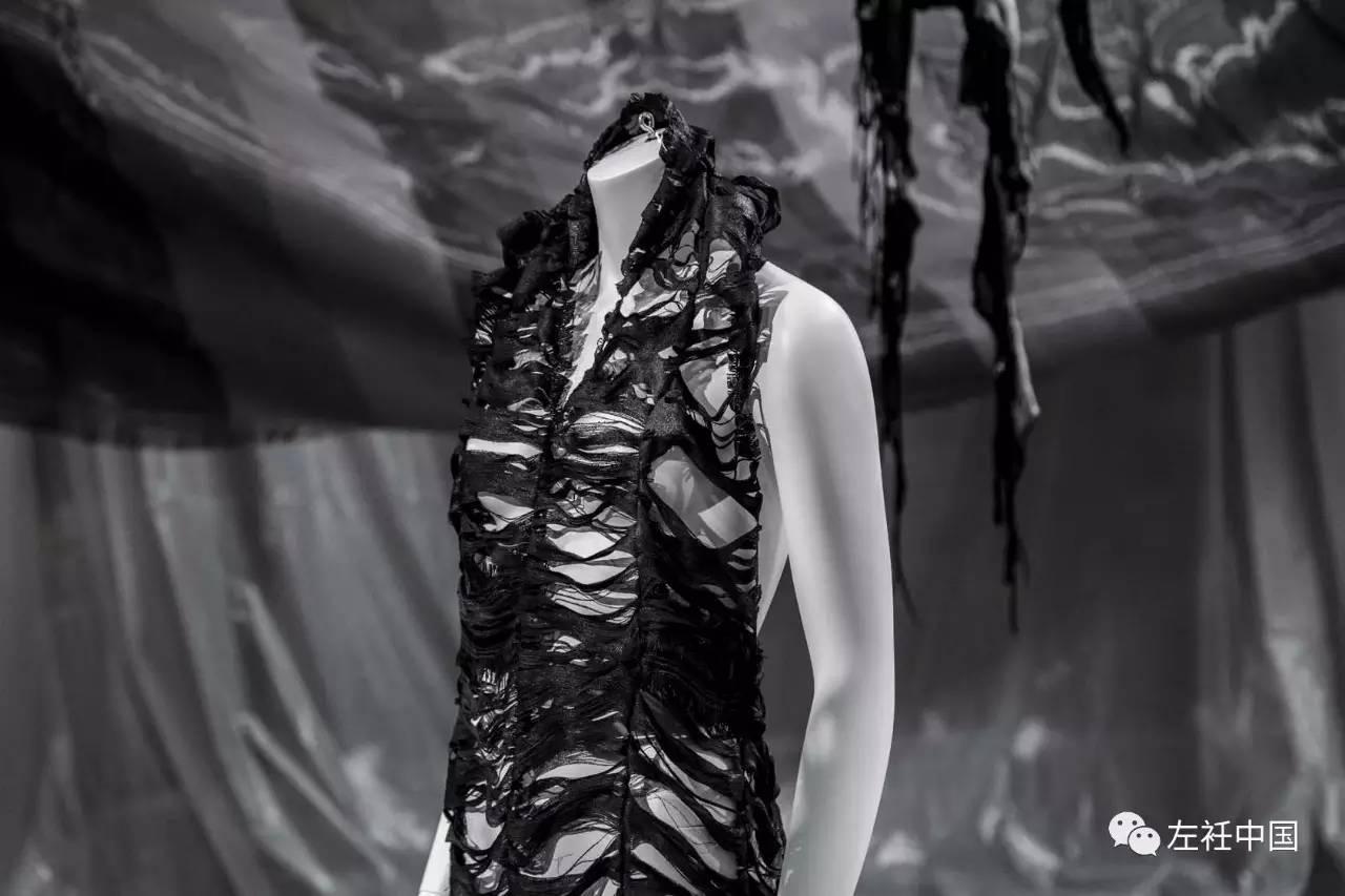 遇水即溶的未来时装震撼全场 ART 第10张