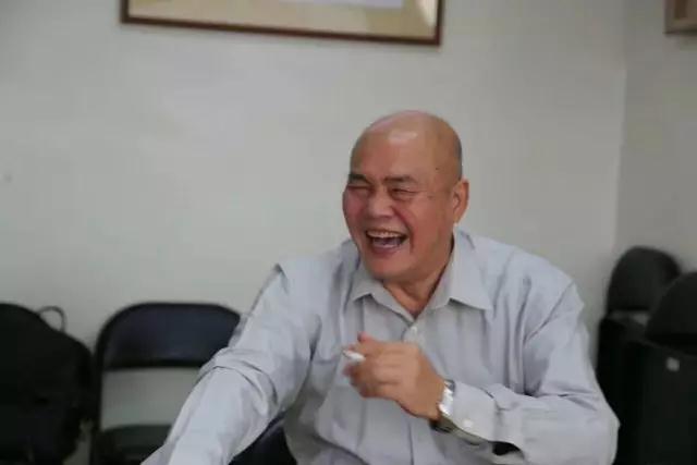 全通董事长_董事长办公室图片