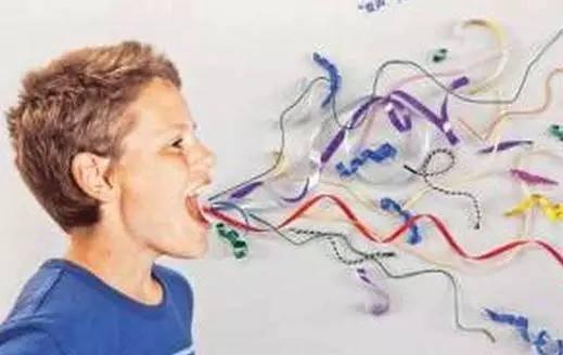 孩子说话嗓子哑反复