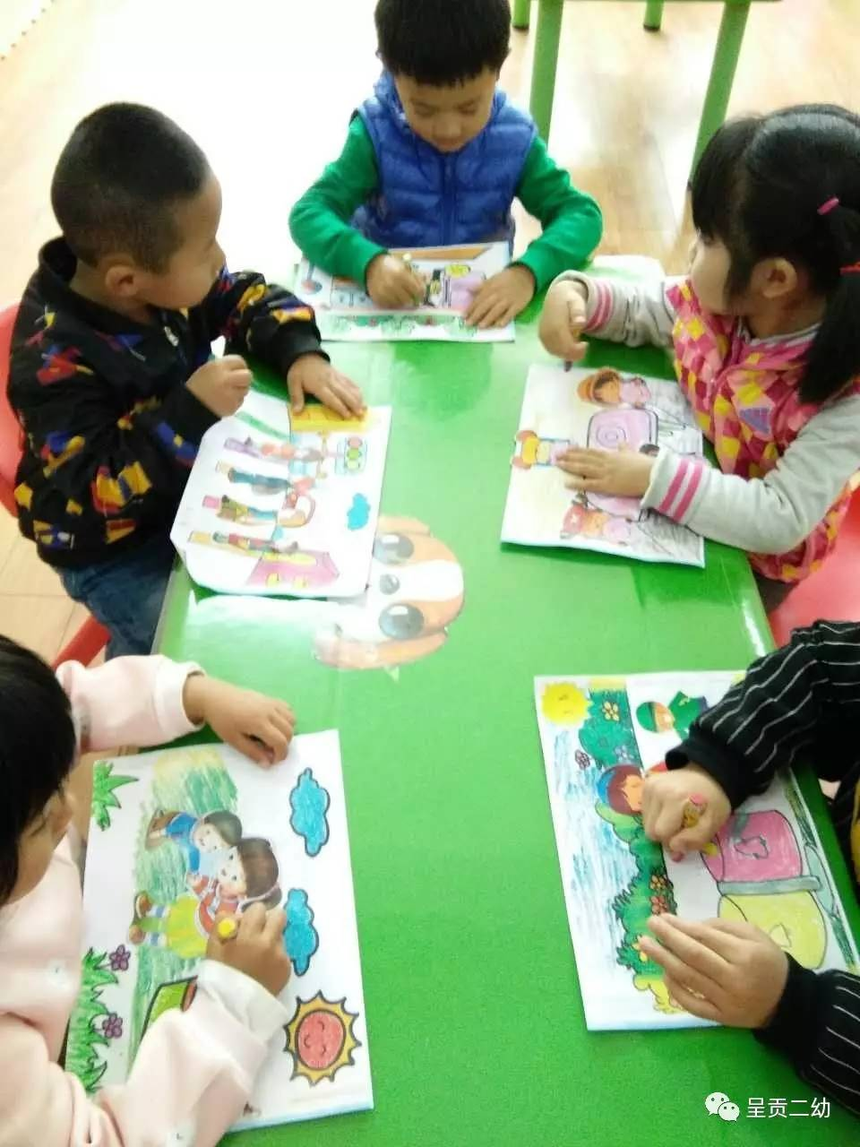 呈贡二幼开展创建全国文明城市主题绘画活动