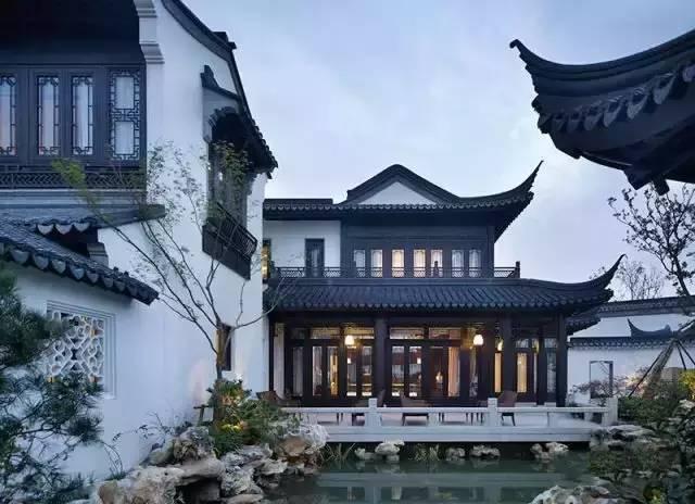 现代汉�z(�X[_建筑风格契合汉文化的建筑文脉,采用中式建筑风格和元素,并加以简化和